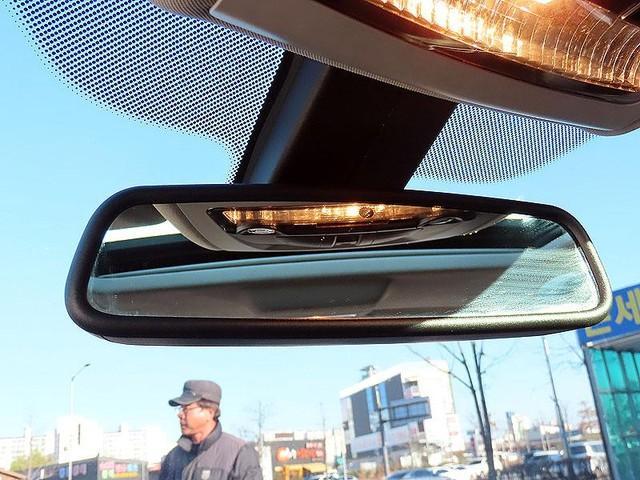 BMW 520d (전체 M바디킷,듀얼머플러,2단림휠,광폭타이어) - 10