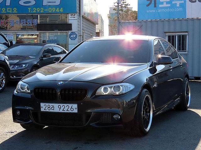 BMW 520d (전체 M바디킷,듀얼머플러,2단림휠,광폭타이어) - 0