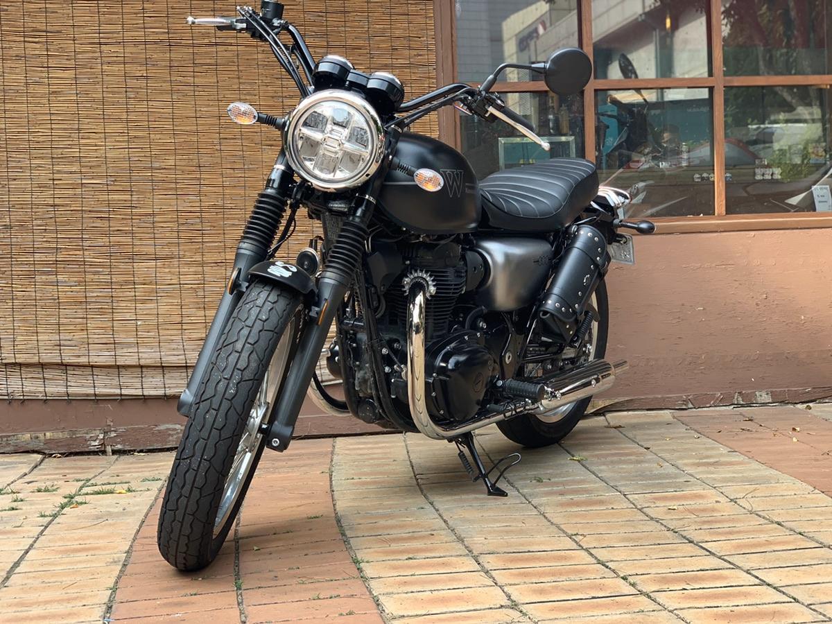 가와사키 w800 19년식 스트릿모델 - 0