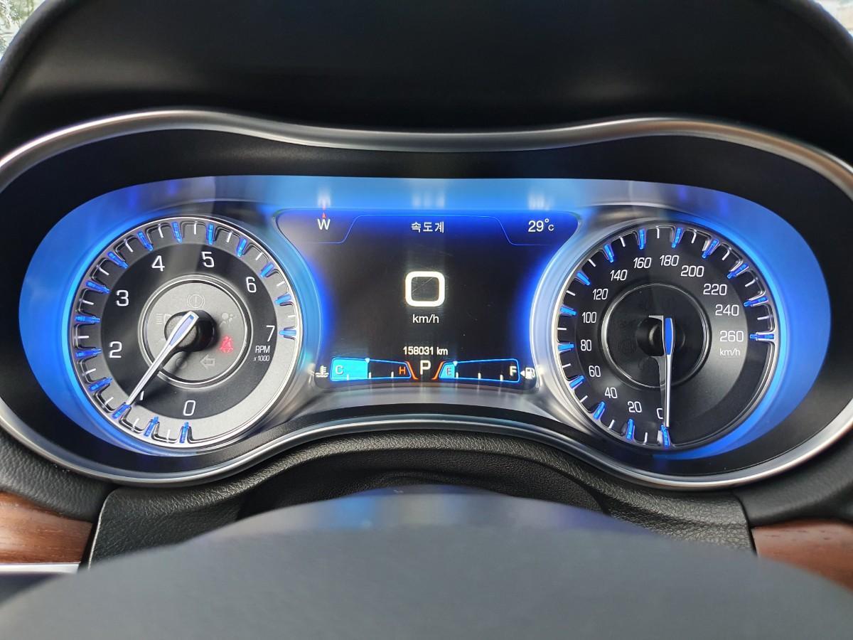 16년식 올뉴300c 3.6 V6 4륜구동 최저가판매 대차환영 - 9