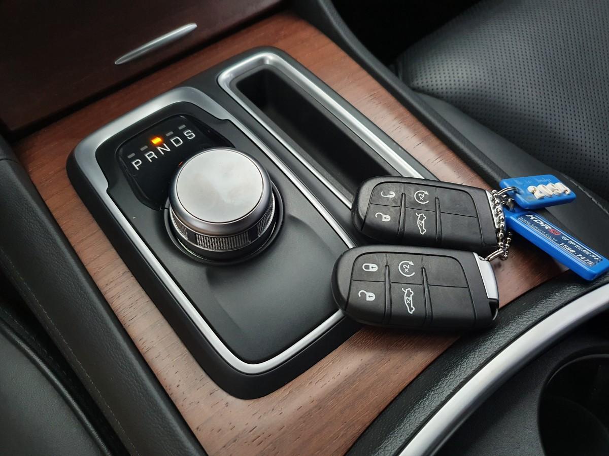 16년식 올뉴300c 3.6 V6 4륜구동 최저가판매 대차환영 - 10