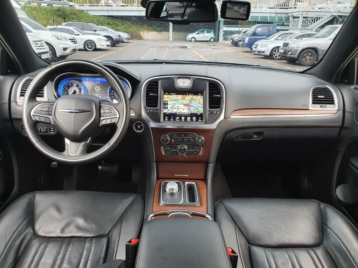 16년식 올뉴300c 3.6 V6 4륜구동 최저가판매 대차환영 - 4