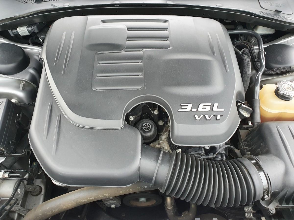 16년식 올뉴300c 3.6 V6 4륜구동 최저가판매 대차환영 - 8