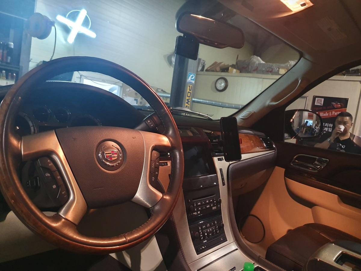 2011 에스컬레이드 숏바디 6200cc - 4