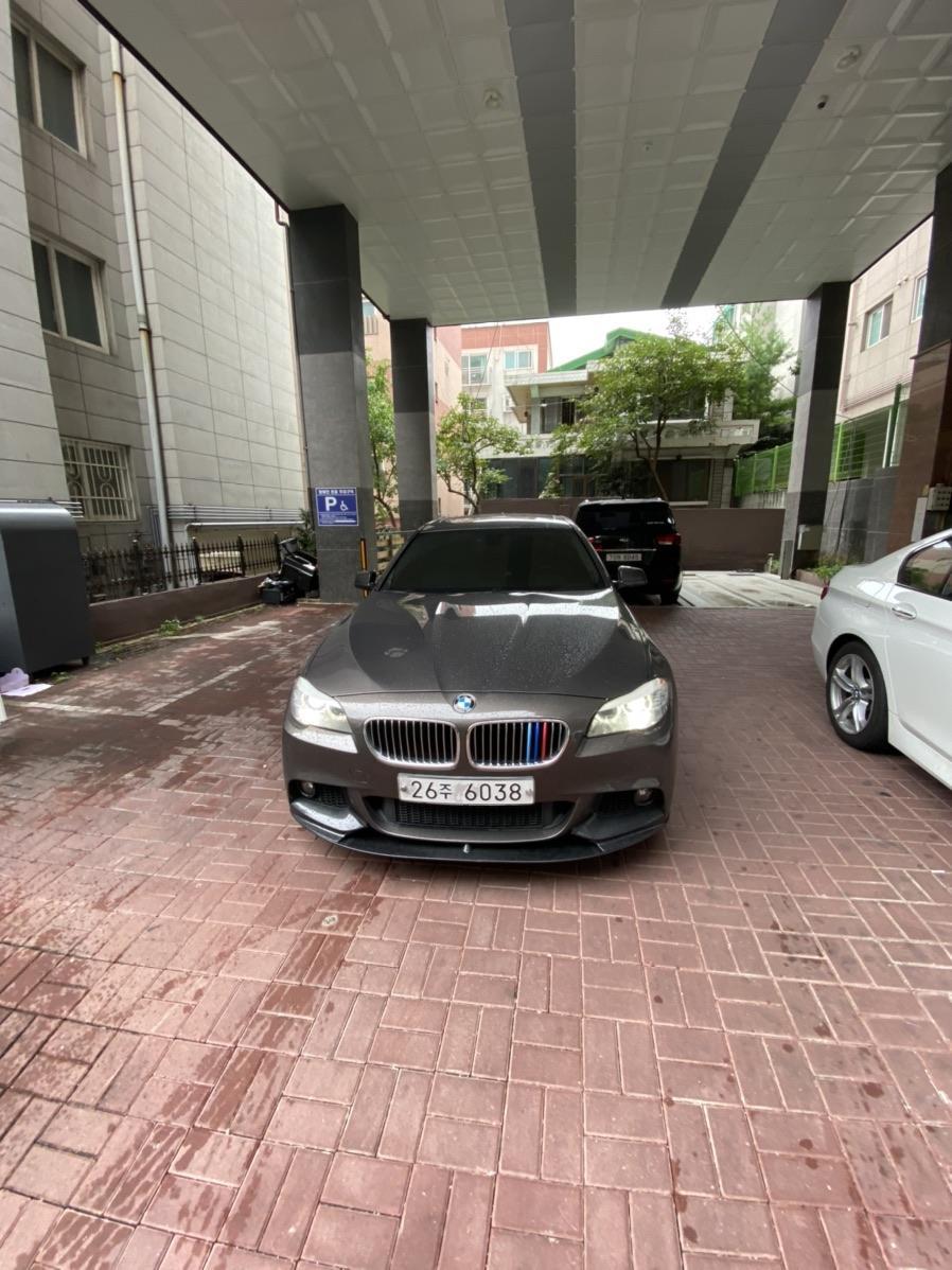 BMW F10 520D 13년식 팝니다 완무 - 2