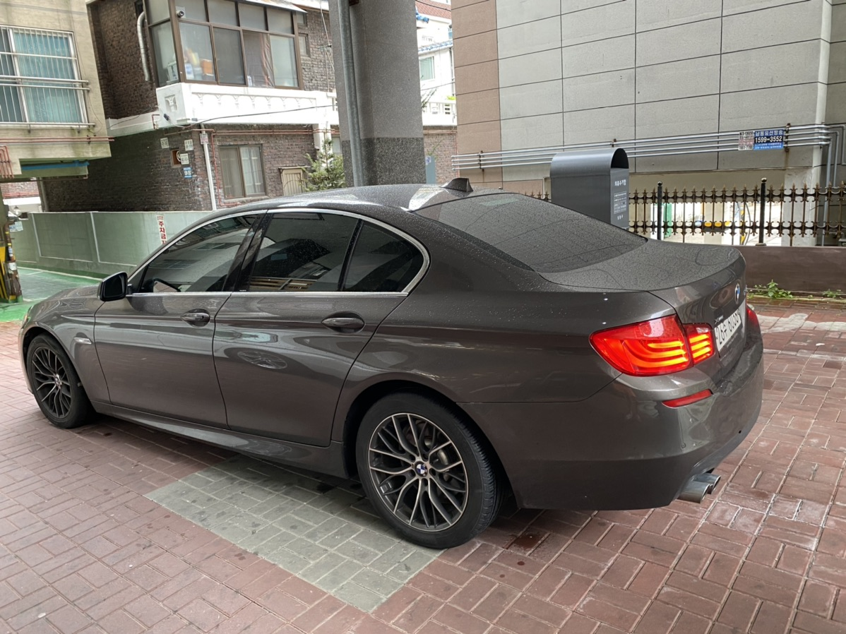 BMW F10 520D 13년식 팝니다 완무 - 5