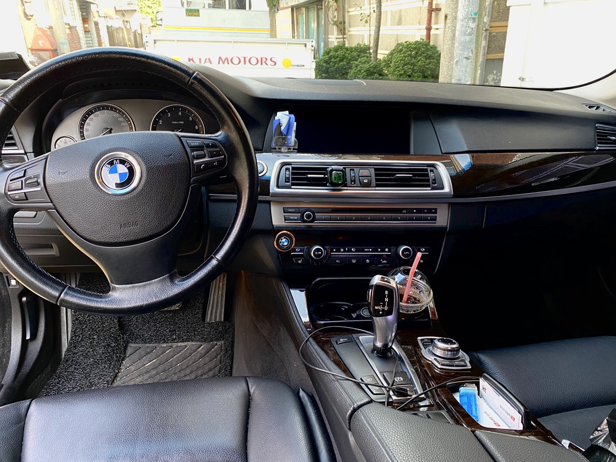 BMW 528i 10년식 20만 헐값에 보냅니다. - 5