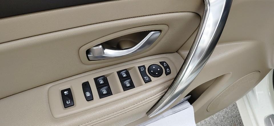 흰색 2010년형 뉴SM5 RE등급(최고등급) 휘발유(가솔린) 차량 - 2