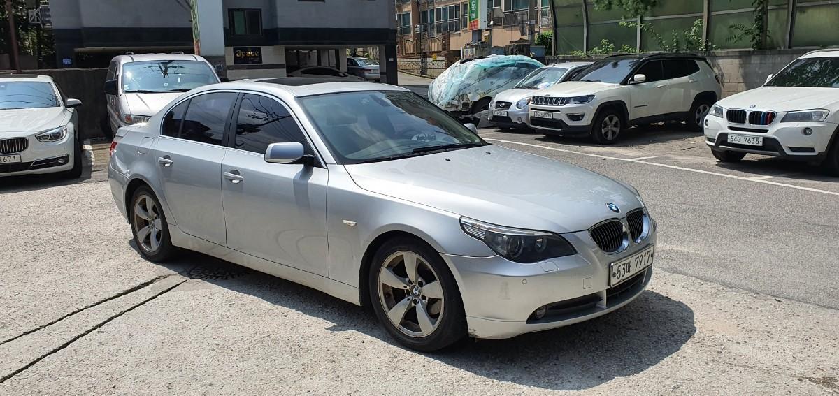 BMW E60 523i - 1