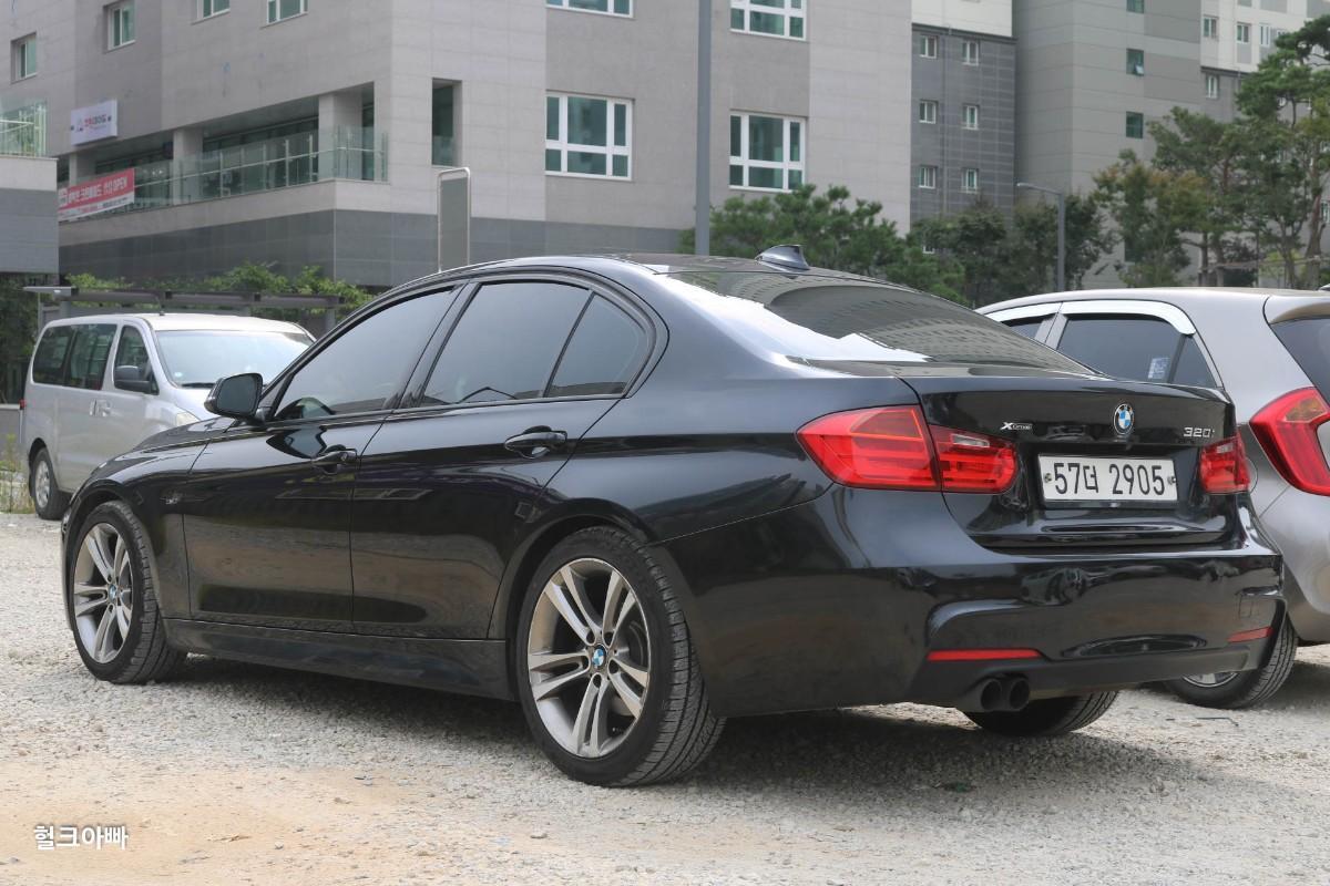 BMW 320i 스포츠 (M팩 튜닝) - 1