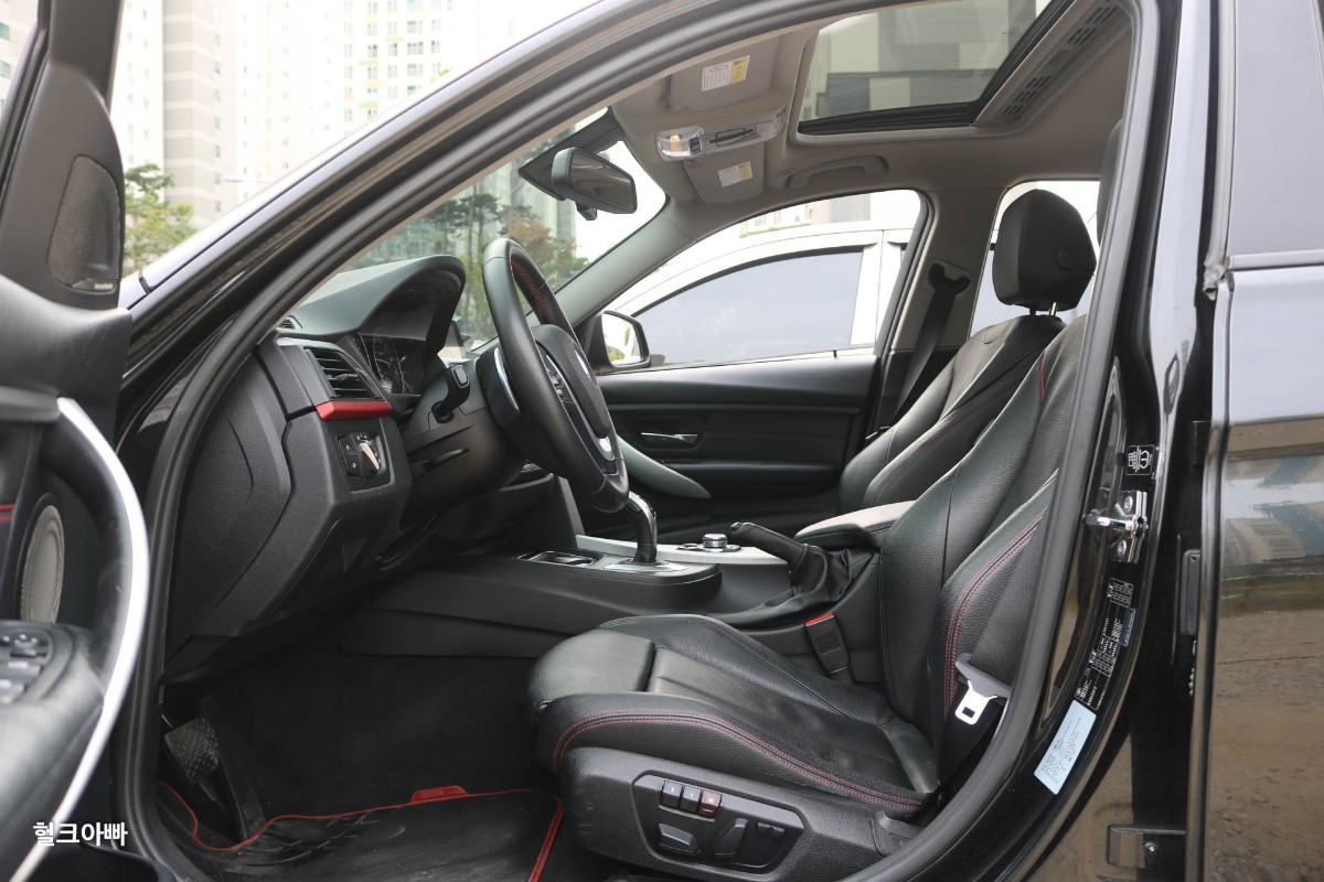 BMW 320i 스포츠 (M팩 튜닝) - 4
