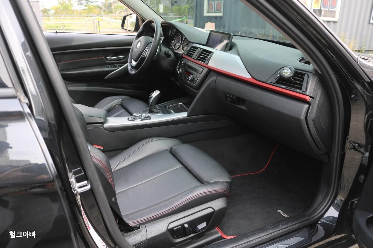 BMW 320i 스포츠 (M팩 튜닝) - 6