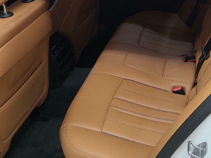 중고차장기렌터카 BMW 520i 럭셔리 월 932,000원 - 6