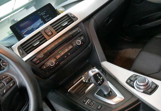 BMW 320D - 5