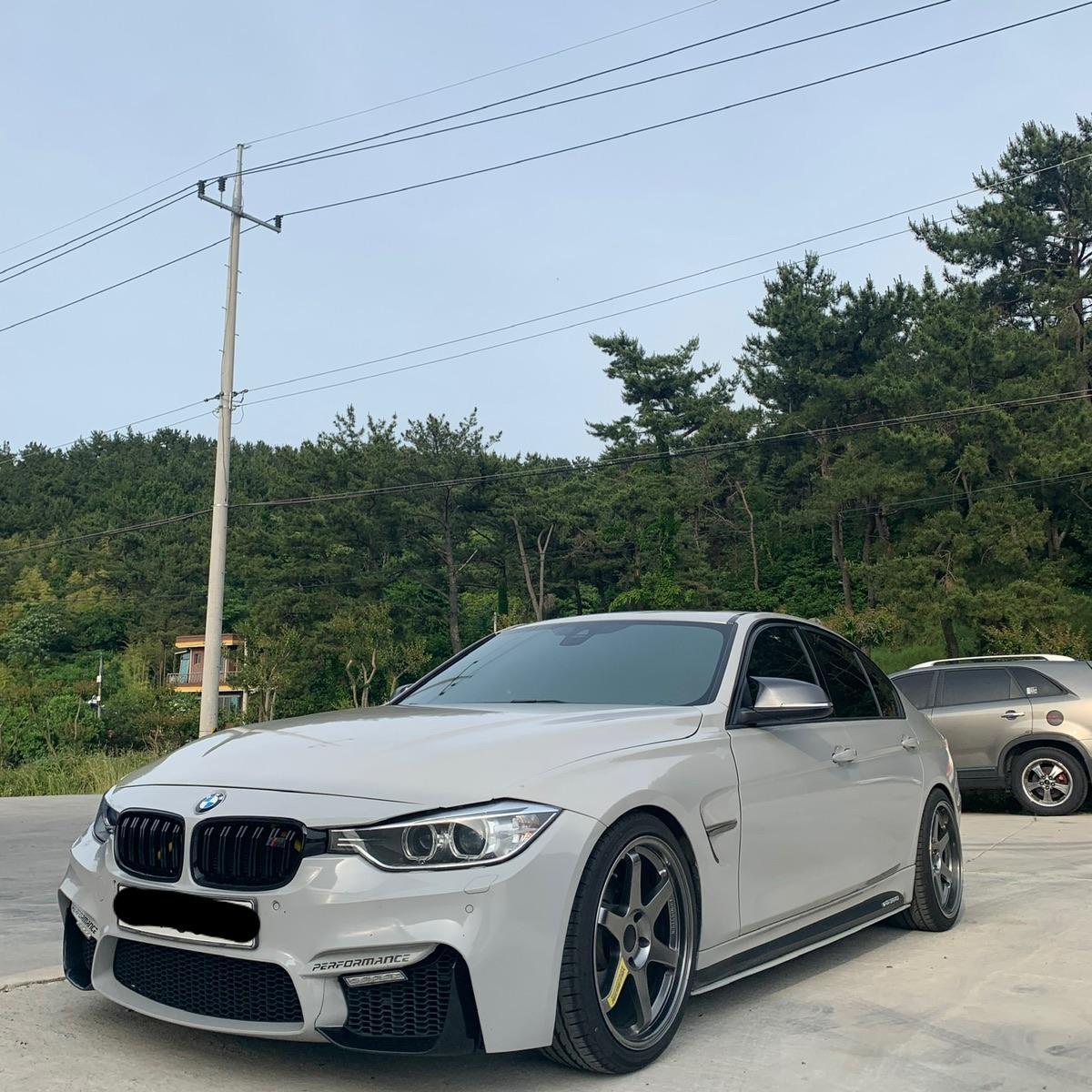 BMW320d - 1