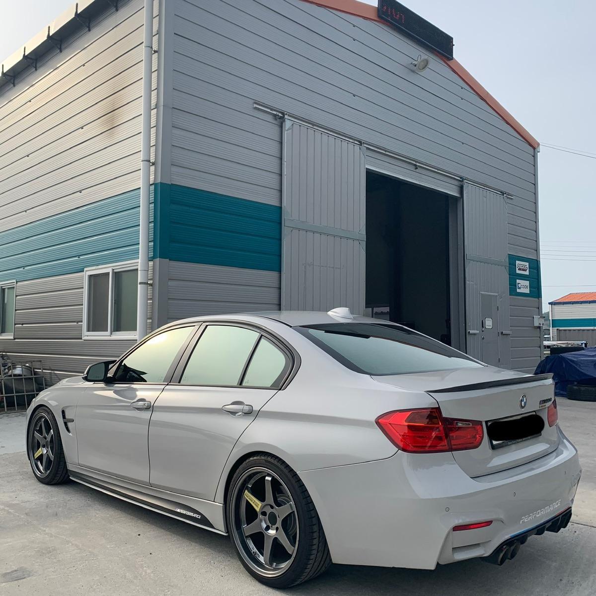 BMW320d - 4