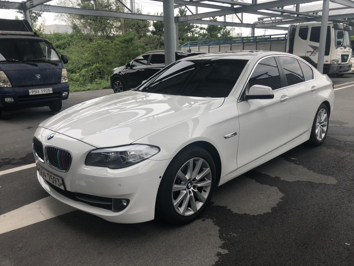 BMW528i - 1