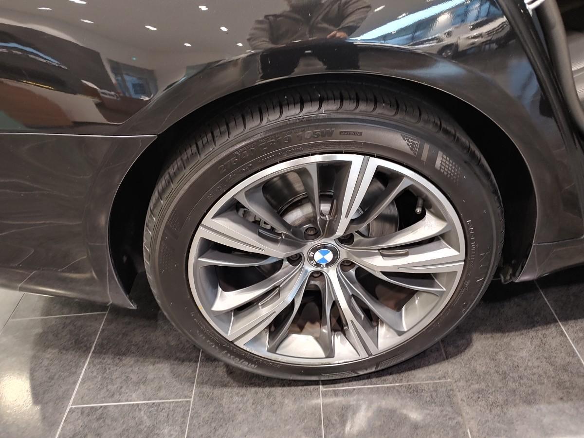 BMW740i - 2