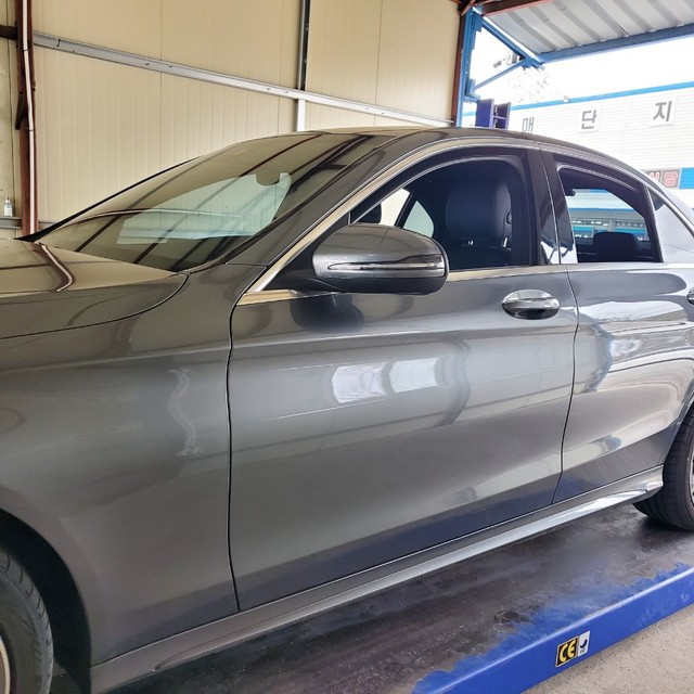 C220d 4Matic Amg 패키지 / 2019년식 / 신차같은중고차 - 2