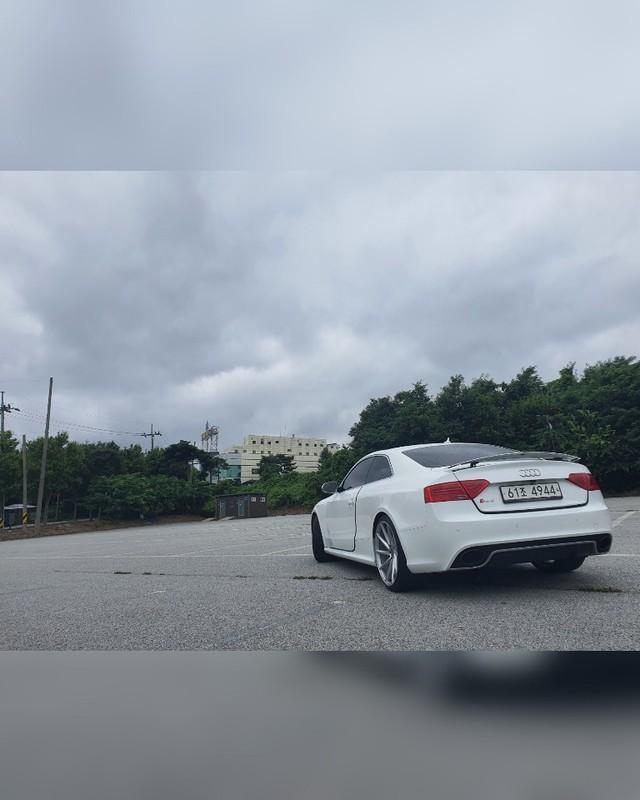 아우디 RS5 4.2콰트로 힌색 무사고차량 3100판매 - 5
