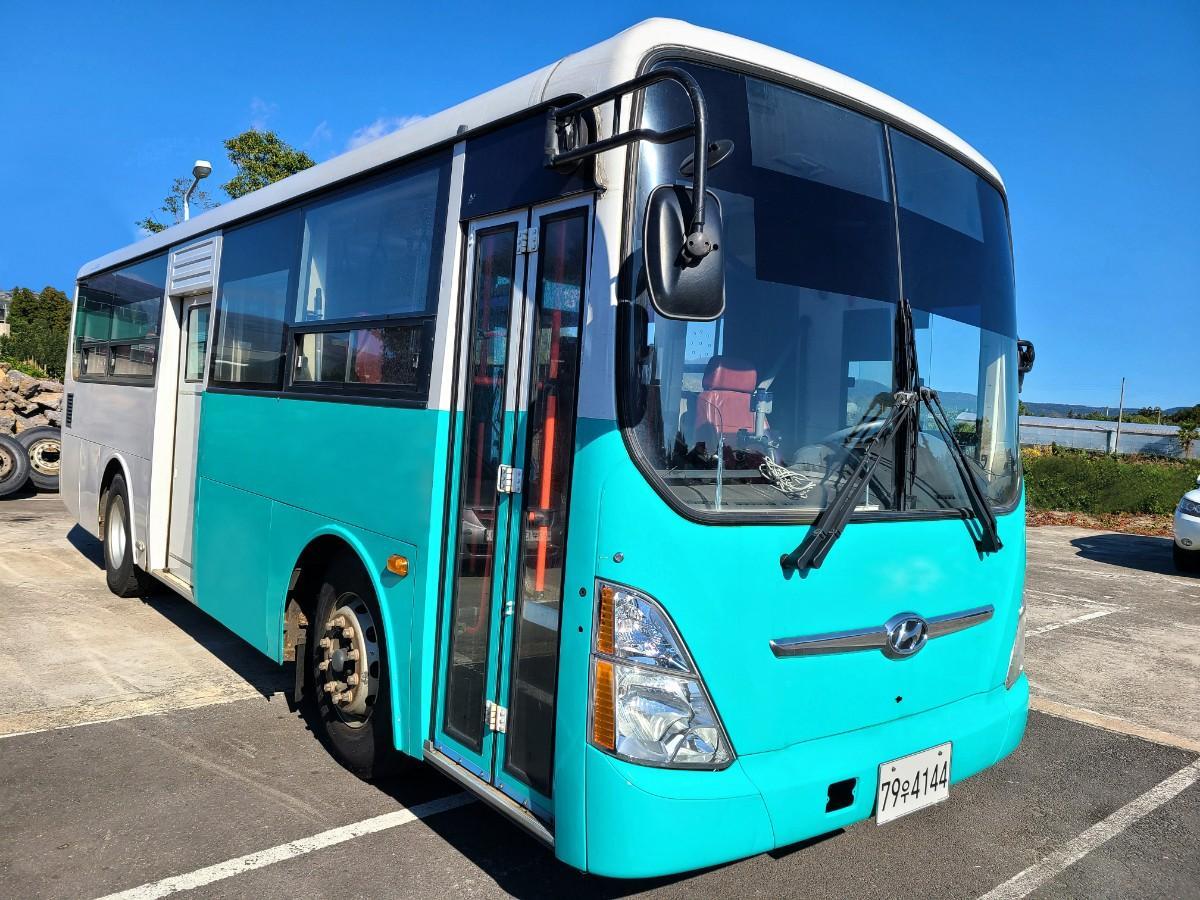 캠핑카 개조에 좋은 현대 중고버스 595만원 - 1