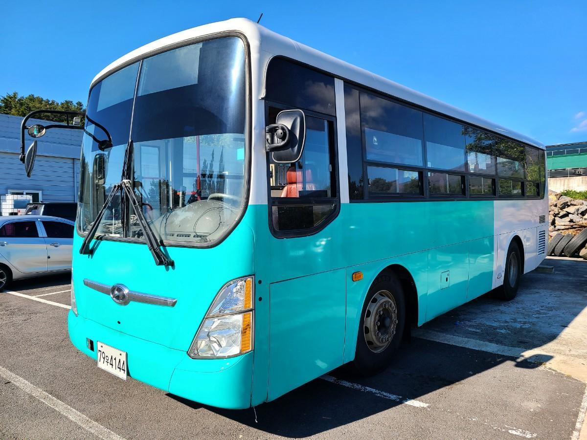 캠핑카 개조에 좋은 현대 중고버스 595만원 - 2