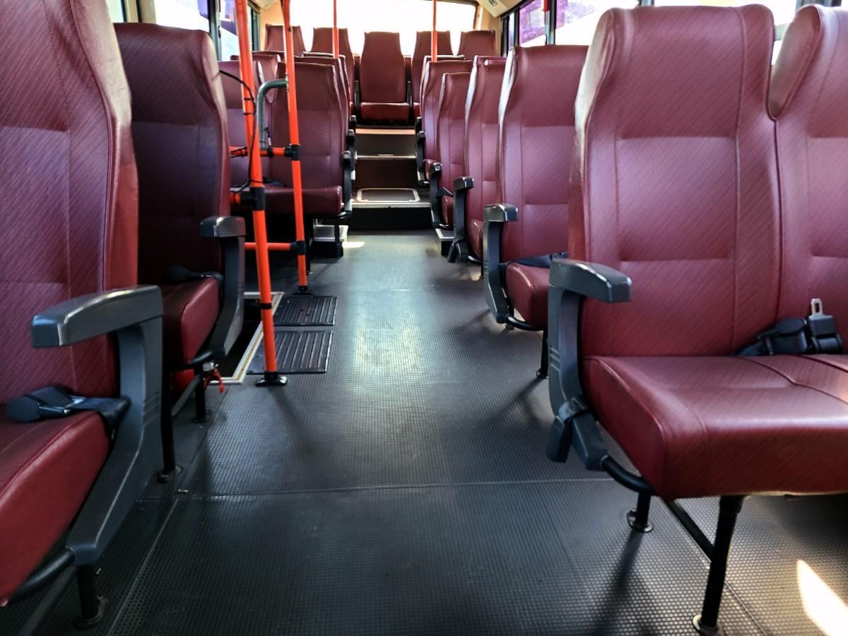 캠핑카 개조에 좋은 현대 중고버스 595만원 - 5