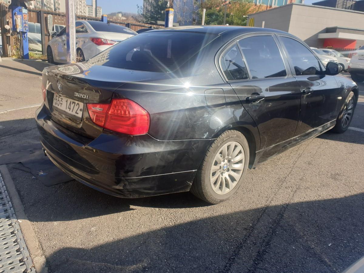2009년5월식 BMW320I  가솔린  무사고 팔아요 - 2