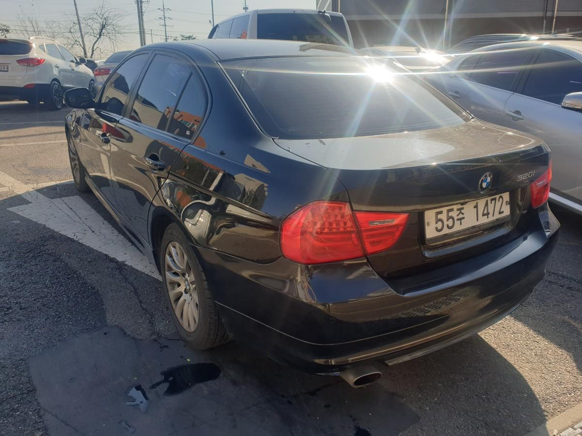 2009년5월식 BMW320I  가솔린  무사고 팔아요 - 3