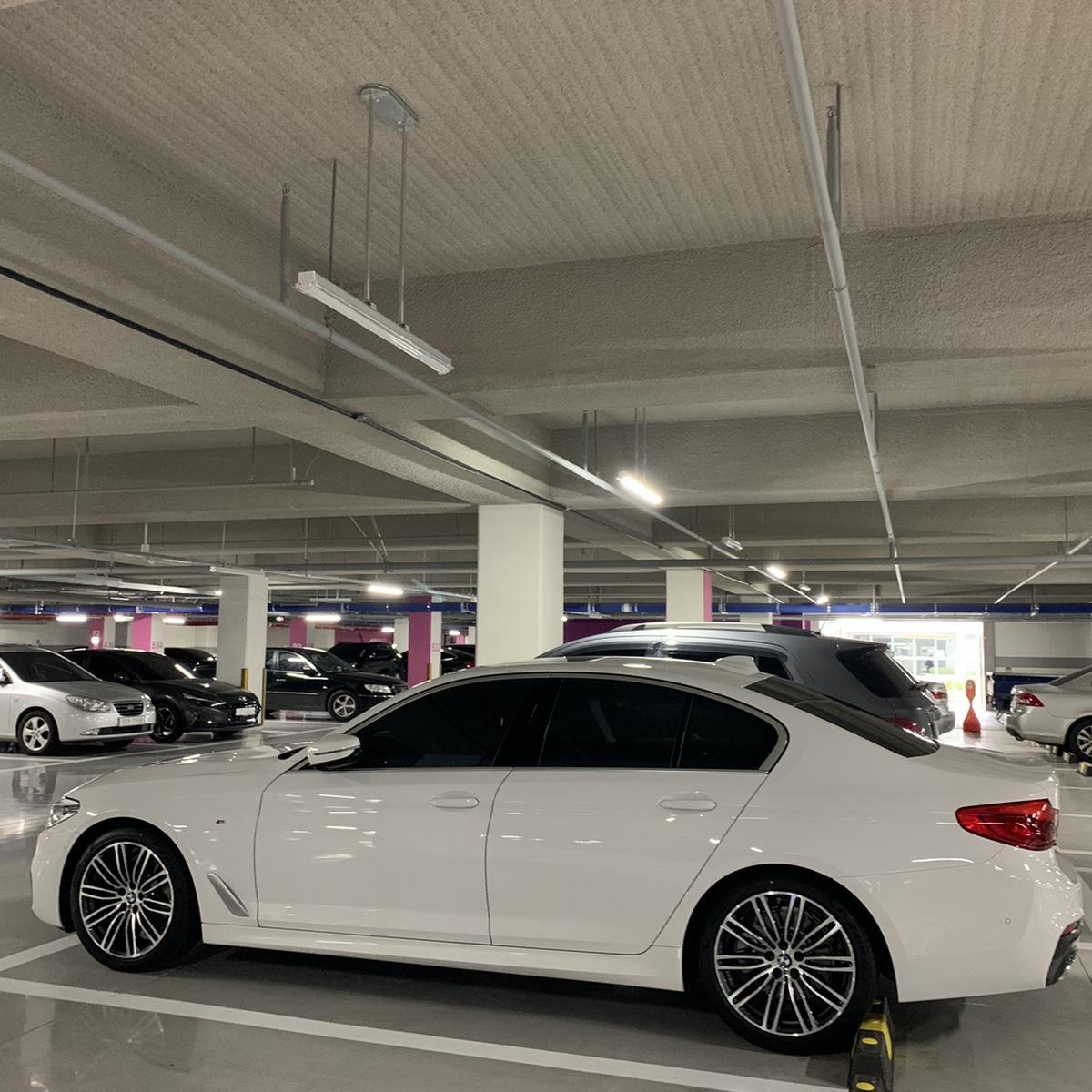 BMW520D (M스포츠)플러스팩 새차 - 2