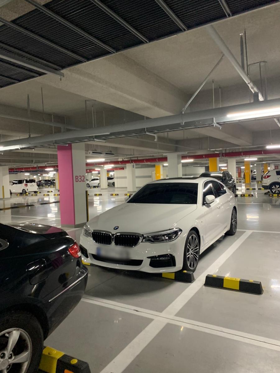 BMW520D (M스포츠)플러스팩 새차 - 3
