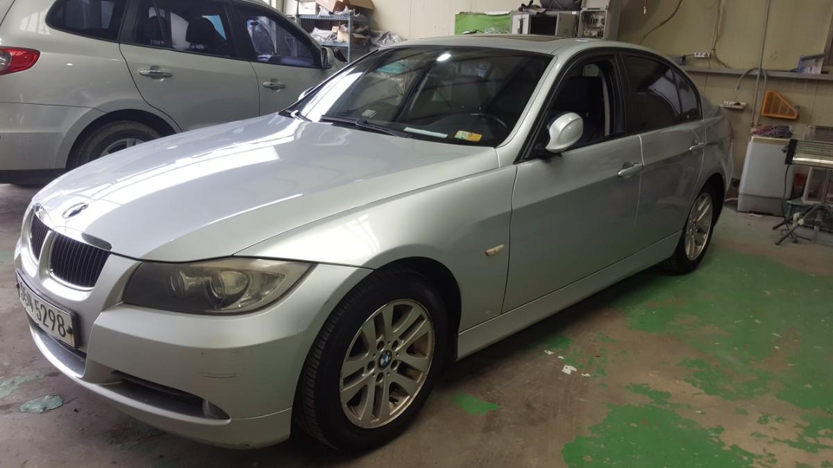 BMW320i - 1