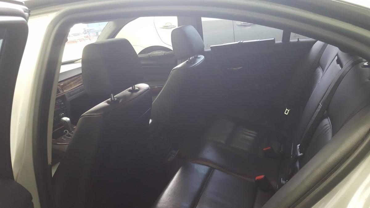 BMW320i - 3