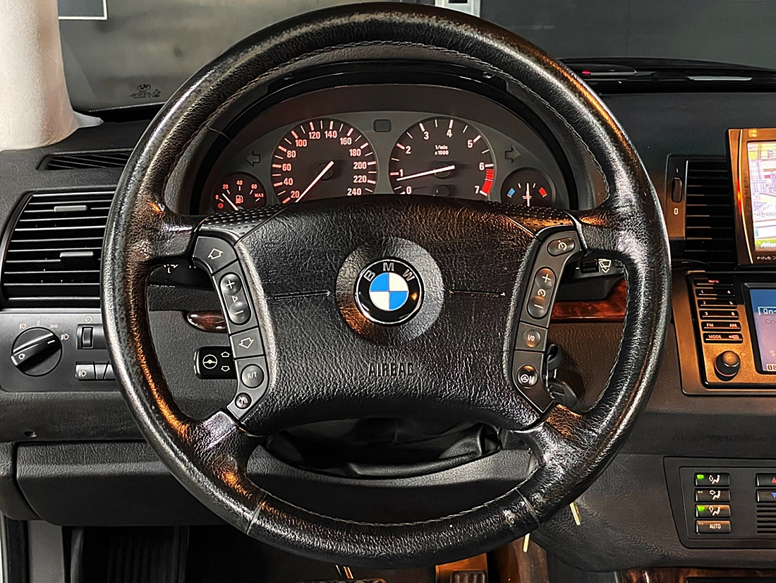 BMW X5 3.0i - 5