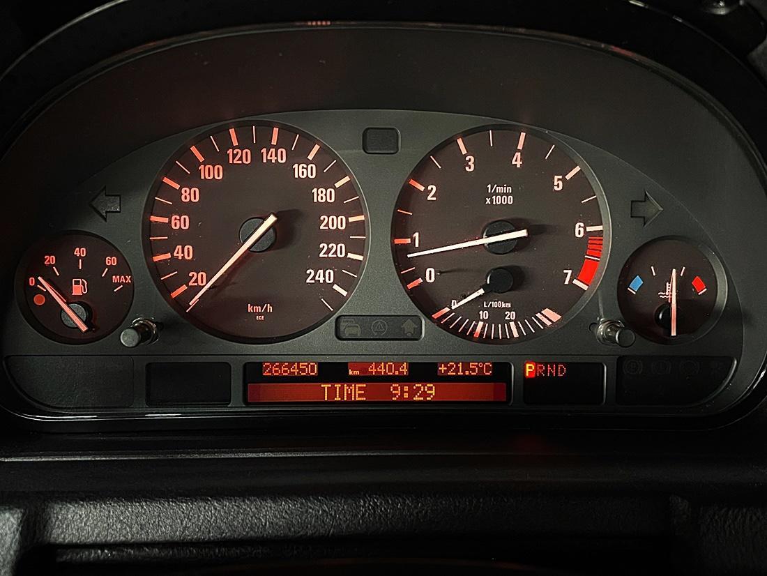 BMW X5 3.0i - 6