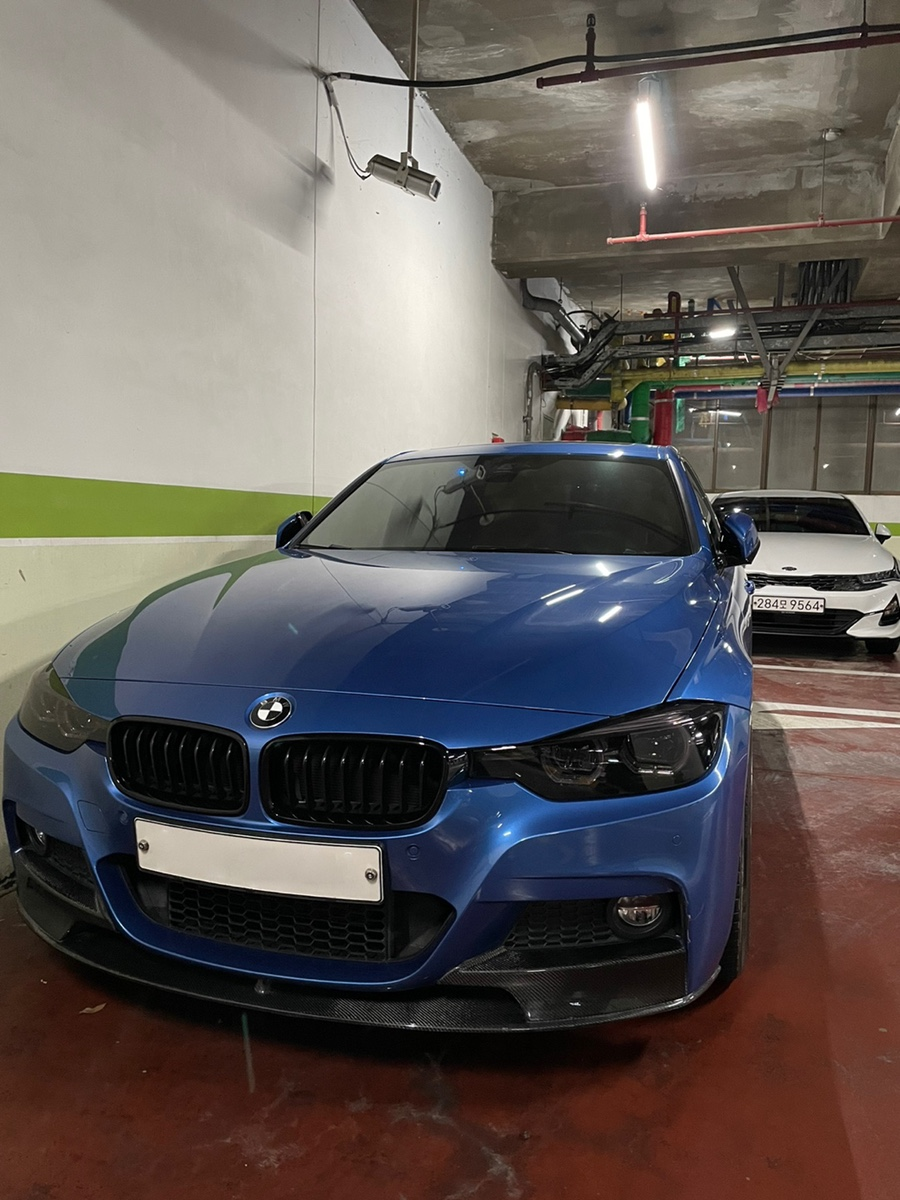 BMW 330i M스포츠쉐도우에디션 - 0