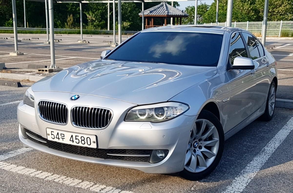 BMW F10 528i 11년식 실키식스 - 0