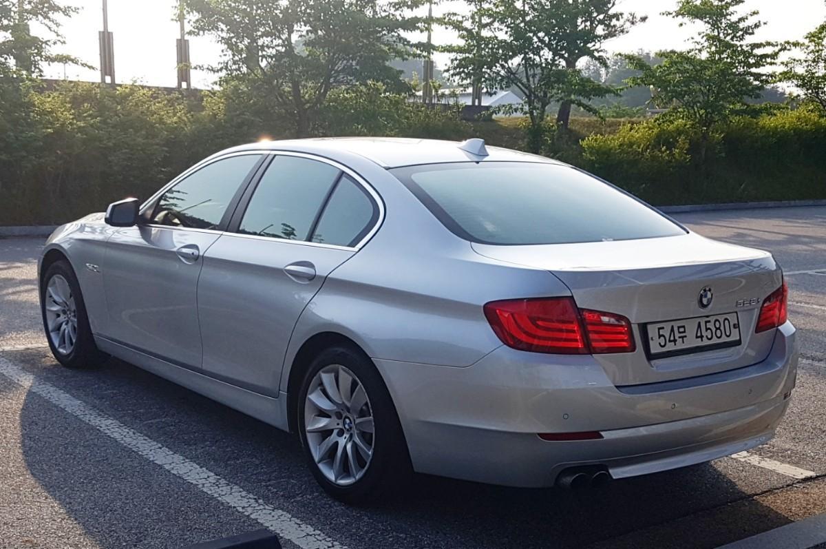 BMW F10 528i 11년식 실키식스 - 2