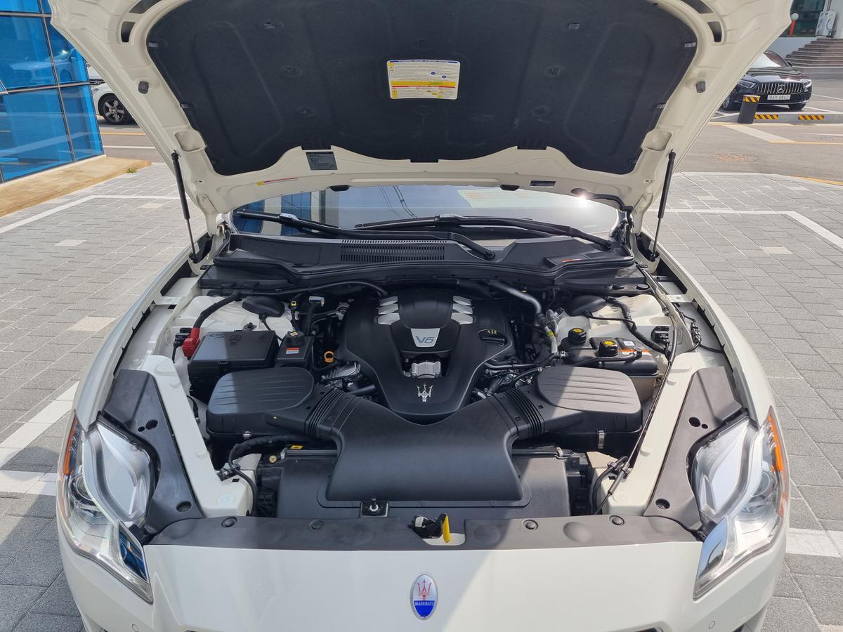 마세라티 콰트로포르테 3.0 V6 - 11