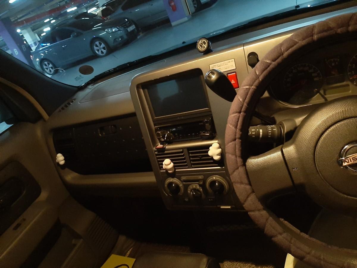 개인 중고차 닛산 큐브 2세대 1.4 하늘색 우핸들 차에요!!! - 3