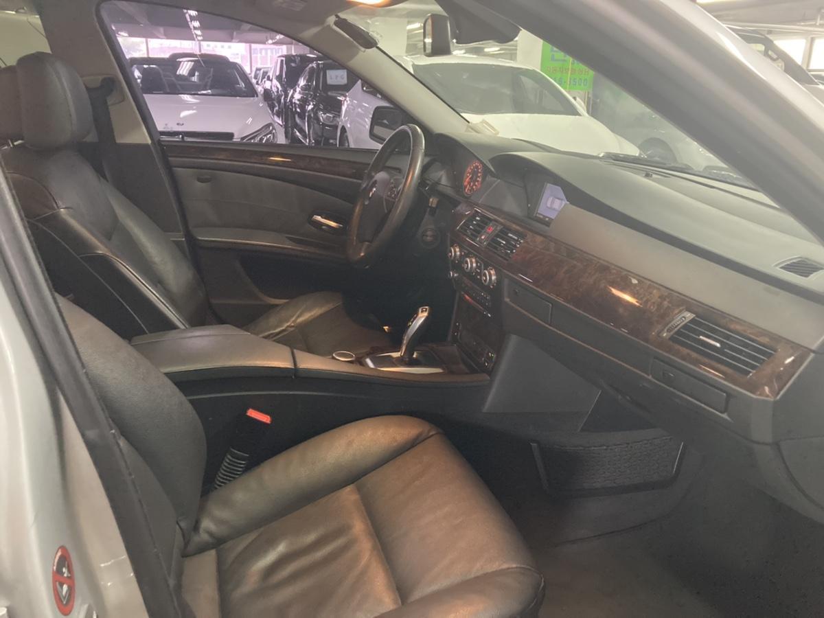 08년 BMW 528i 은색 무사고 16만km - 4