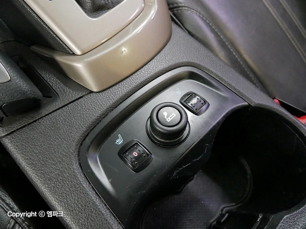 (개인)12년 포드 포커스 2.0 9만키로 완전무사고차량 판매합니다. - 11