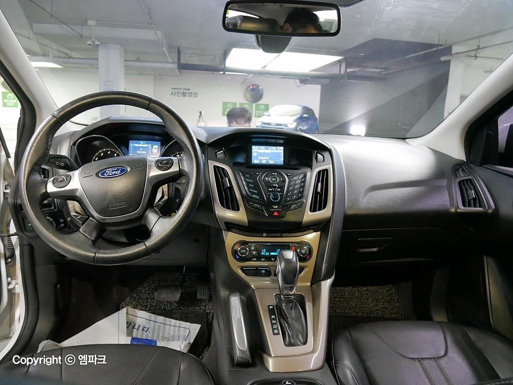 (개인)12년 포드 포커스 2.0 9만키로 완전무사고차량 판매합니다. - 5